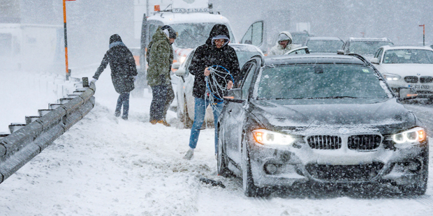 Schnee Schneeketten Brenner Tirol