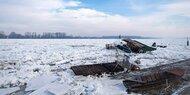Donau-Eis beschädigt Schiffe und Stege