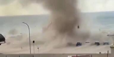 Urlauber in Panik: Video zeigt Tornado in Sizilien