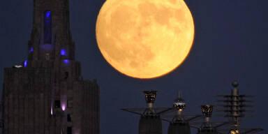 Super-Mond