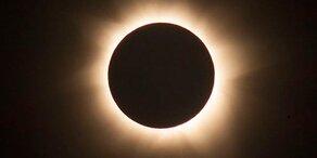 Millionen fiebern totalen Sonnenfinsternis entgegen