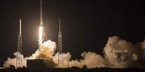 SpaceX-Rakete legt Bilderbuchlandung hin