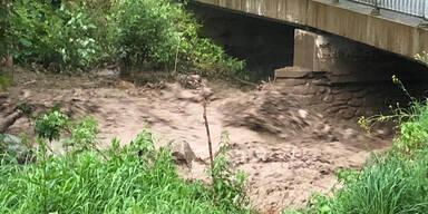 Kärnten: Sturzflut reißt Auto samt Insassen mit