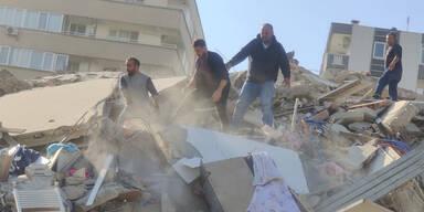 Tsunami nach schwerem Beben in Griechenland und der Türkei