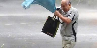 Dieser Mann hat mit dem miesen Wetter in Taiwan zu kämpfen