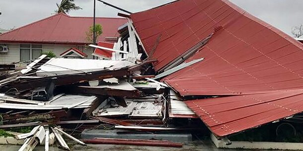 Wirbelsturm zerstört Parlamentsgebäude
