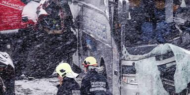 1 Unfalltoter auf verschneiten Straßen in Salzburg