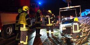 Winterchaos: Pkw Unfälle wegen Schnee