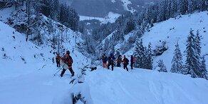 Flachauwinkl: Skifahrer aus Graben gerettet