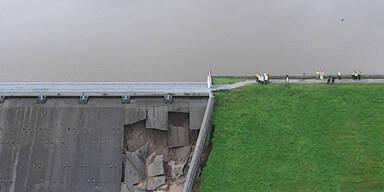 whaley-bridge.jpg