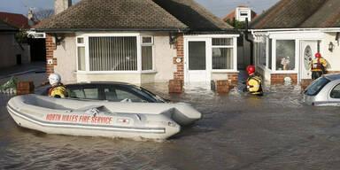 Rettungskräfte sind in Wales im Dauereinsatz