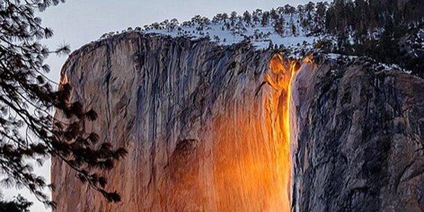 """Phänomen: Wasserfall wird zu """"Feuerfall"""""""
