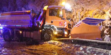 Wintereinbruch: Schnee-Chaos in Teilen von Österreich
