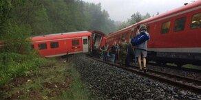 Unwetter in Deutschland: Zug entgleist